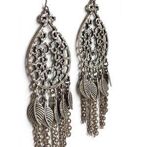 Lucky Brand Dangly Feather Accent Earrings 🍀